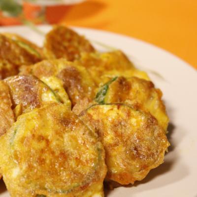 ズッキーニのカレーチーズピカタ