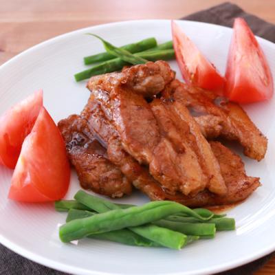 バルサミコソースで食べる 厚切り豚バラ肉のソテー
