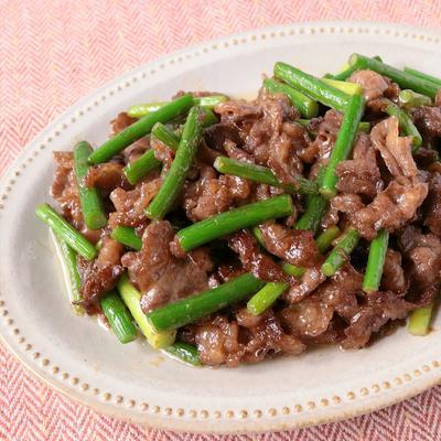 牛こま切れ肉で簡単節約オイマヨ炒め