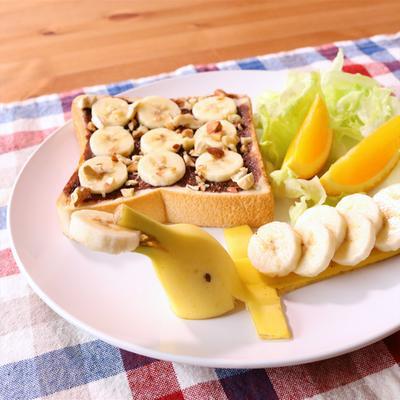 バナナイルカのワンプレート朝食