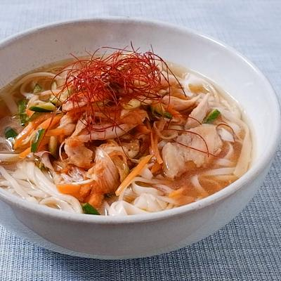 韓国の麺料理カルグクス
