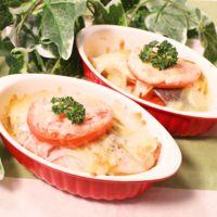 とろーり美味しい!鮭とトマトのチーズ焼き