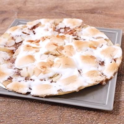 マシュマロとチョコレートのピザ