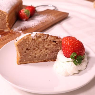 優しい味わい!いちごミルクのパウンドケーキ