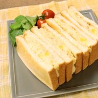 チーズインマッシュポテトのサンドイッチ
