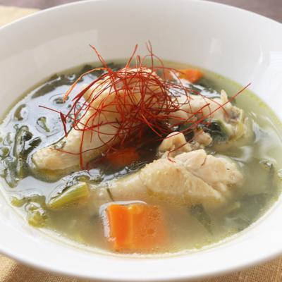 鶏手羽元の旨味たっぷりスープ