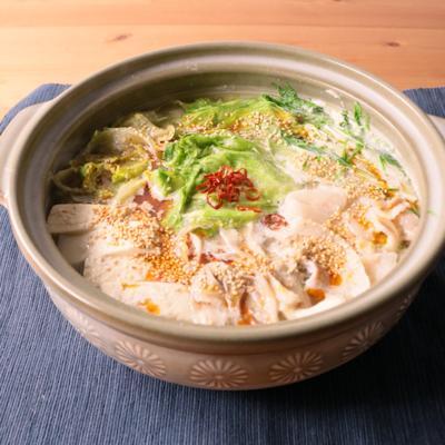 豚バラとレタスのピリ辛ごま豆乳鍋
