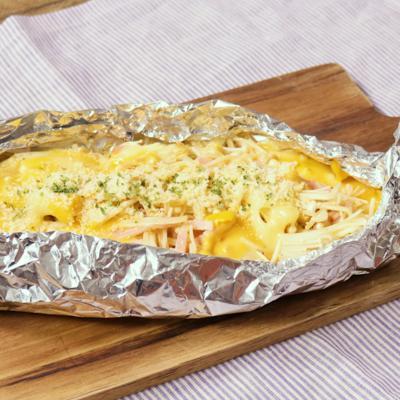 ベーコンとえのきの3種のチーズホイル焼き