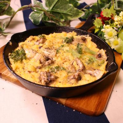 スキレット鍋で!マッシュルームとツナのオムレツ