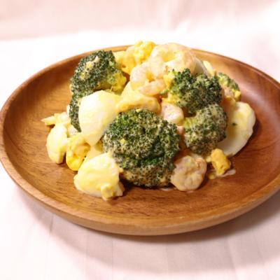 エビとブロッコリーの卵サラダ
