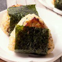 玄米と香味野菜のみそ焼きミニおにぎり