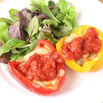 パプリカのキノコ詰めトマト煮