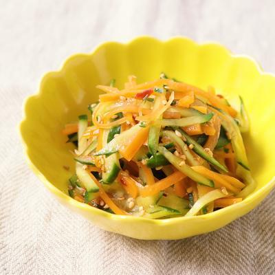きゅうりとにんじんのすっぱ辛サラダ