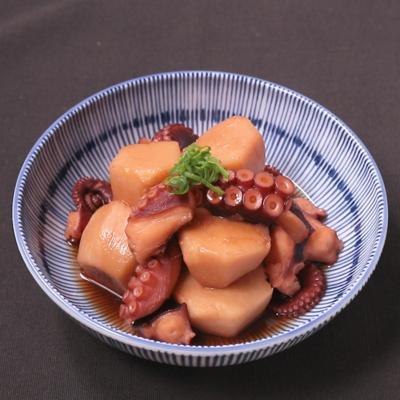 日本酒のお供に たこと里芋の炊き合わせ