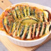 ズッキーニとハムチーズのミルフィーユトマト焼き