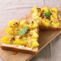 パイナップルとクリームチーズのメープルくるみトースト