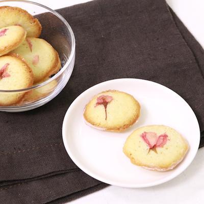 ふんわり香る桜のラングドシャ
