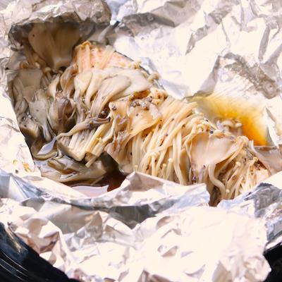 秋鮭ときのこのホイル焼き