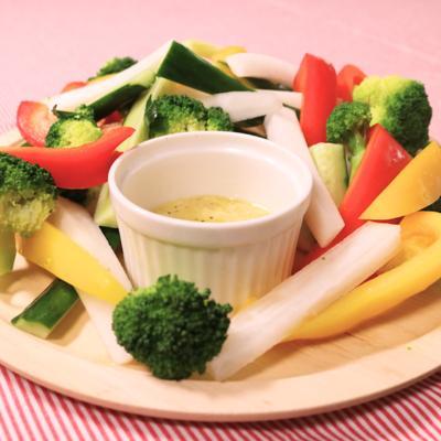 塩麹でサッパリ食べる スティックサラダ