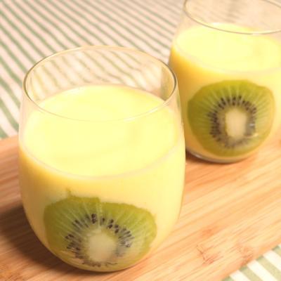 夏にぴったり パイナップルのスムージー