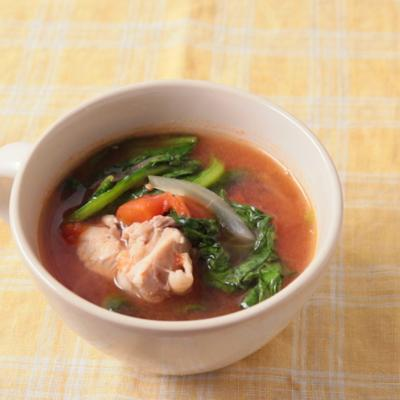 サラダ菜のトマトスープ
