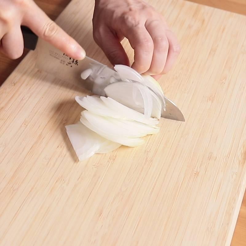 カレーライス 玉ねぎ 切り方
