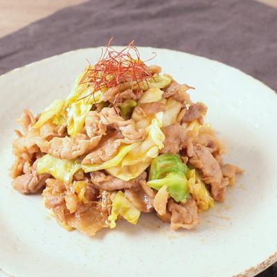 キャベツと豚肉の韓国風炒め
