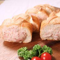 フランスパン丸ごと!おかずパン