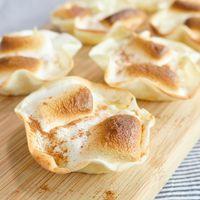 餃子の皮で作る マシュマロタルト