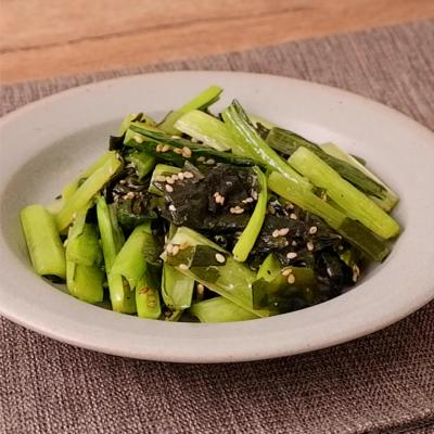 小松菜とわかめの塩こしょう炒め