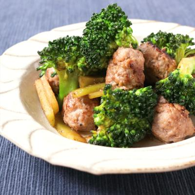 お弁当に ブロッコリーとミニ肉団子の簡単炒め