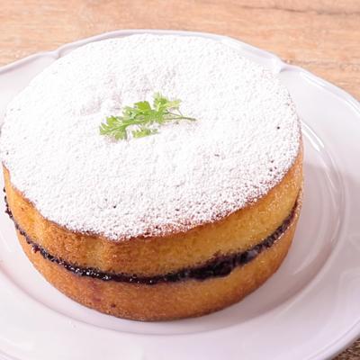 ブラックベリージャムのビクトリアケーキ