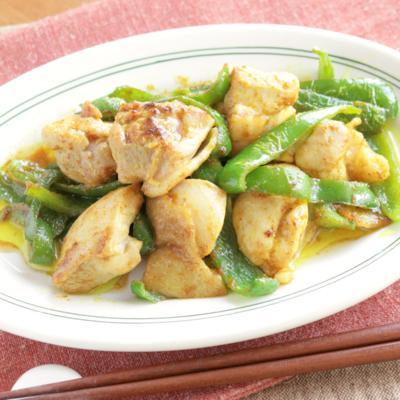 鶏もも肉とピーマンのカレー炒め