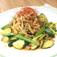 グリーンづくし!焼肉のタレで簡単、野菜炒め
