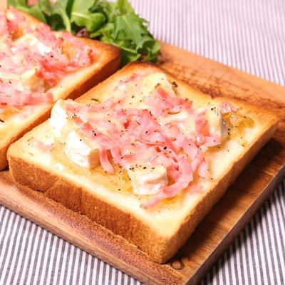 とろけるカマンベールチーズトースト