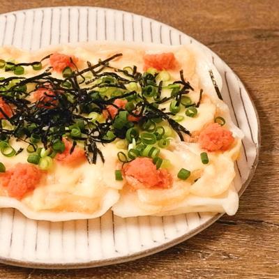 フライパンで簡単 たらこの四角いもちピザ