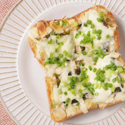 のりとチーズのじゃこトースト