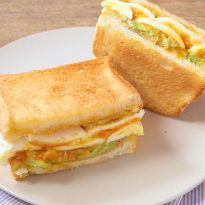 アボカドツナ卵サンドイッチ
