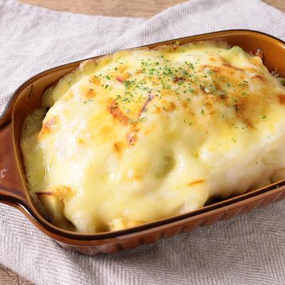 ふわふわ はんぺんとアボカドのチーズグラタン