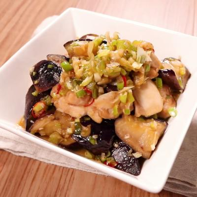 しょうが香る 鶏もも肉とナスの炒め物