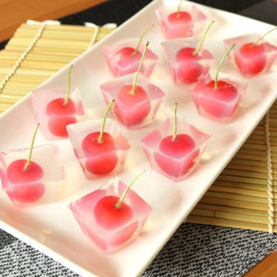 製氷皿で作る さくらんぼの一口寒天