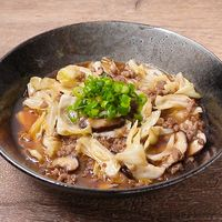 キャベツと豚ひき肉の和風サンラー炒め