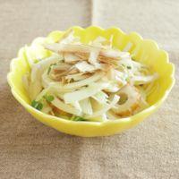 玉ねぎとちくわの和風サラダ