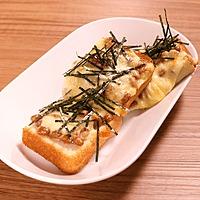 チーズと納豆のとろーりトースト