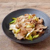 豚バラ肉と長ねぎのポン酢炒め