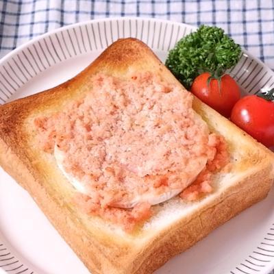 明太子のカマンベールチーズトースト
