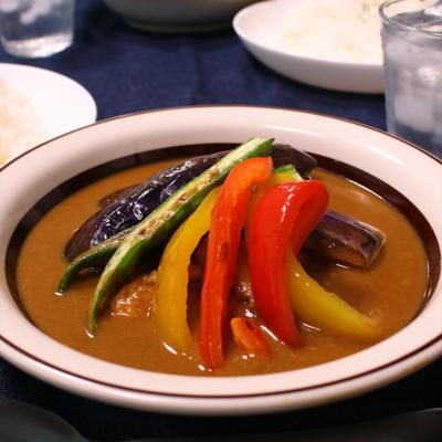 夏野菜とココナッツミルクのスープカレー