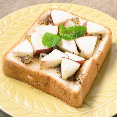 紅茶香る ごろごろりんごのジャムトースト