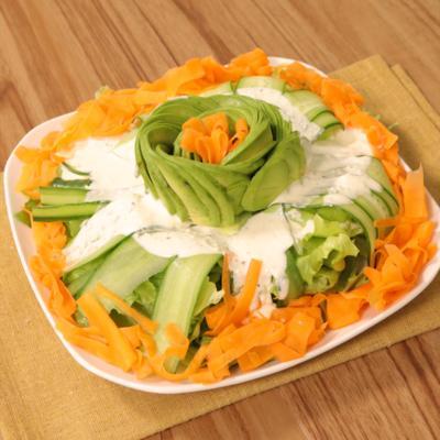 アボカドフラワーのシーザーサラダ