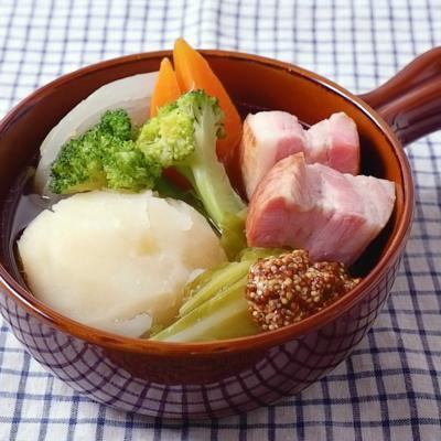 ベーコンと野菜のポトフ